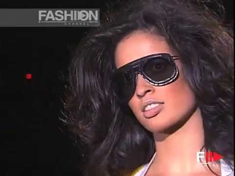 """""""Gucci"""" Spring Summer 2003 Milan 2 of 3 Pret a Porter Woman by FashionChannel"""