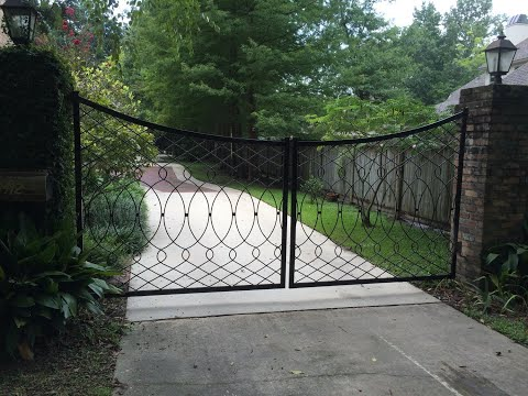 Custom steel driveway gate build. Using welding and smithing to copy a century old gate design.