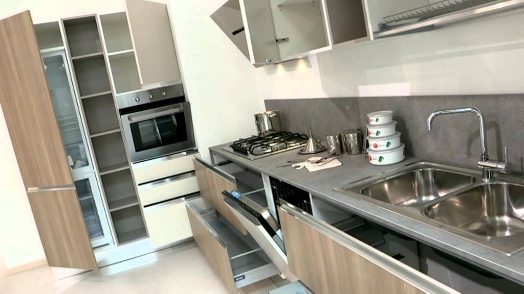 dispense moderne per cucina : Cucine componibili con dispensa - YouTube
