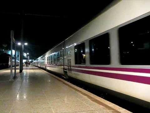 Tren hotel 897 barcelona granada youtube for Barcelona paris tren hotel