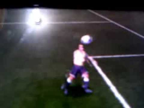 How Do A Bicycle Kick In Fifa 13 For Psp
