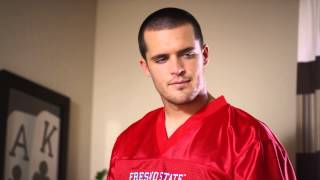Derek Carr and David Carr Play Video Games in EECU TV Commercial