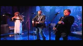 Steve Earle & The Dukes - Invisible - Letterman 4-22-2013