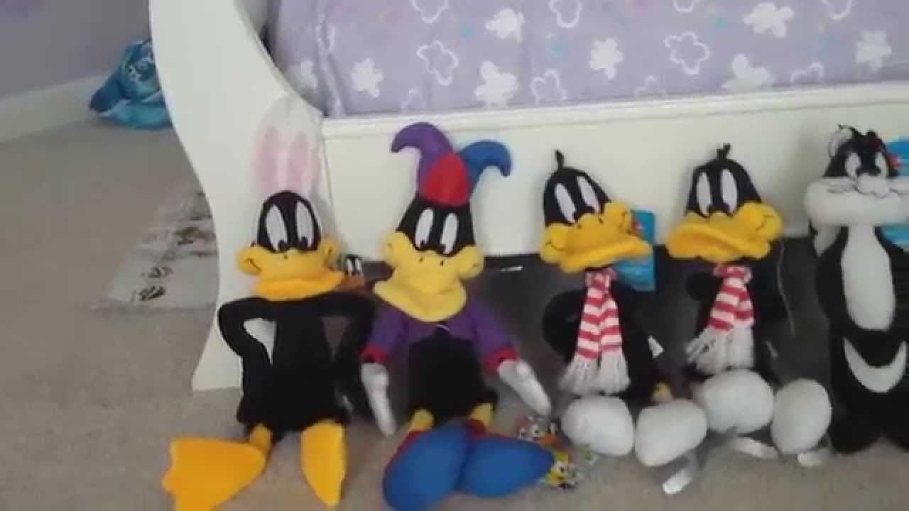 Looney Tunes Plush Unboxing and Collection! - YouTube