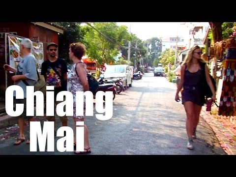 Exploring CHIANG MAI, Thailand: The Beautiful Old Town