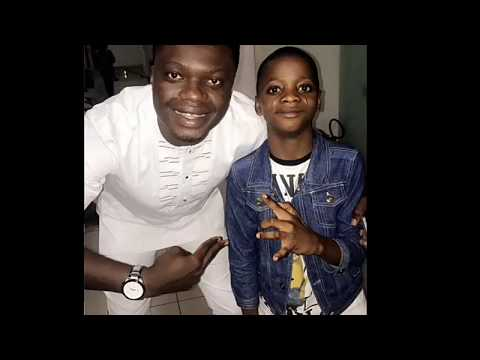 Destiny Boy reportedly hanging out with 2baba, Skales and others in an hotel in Lagos.