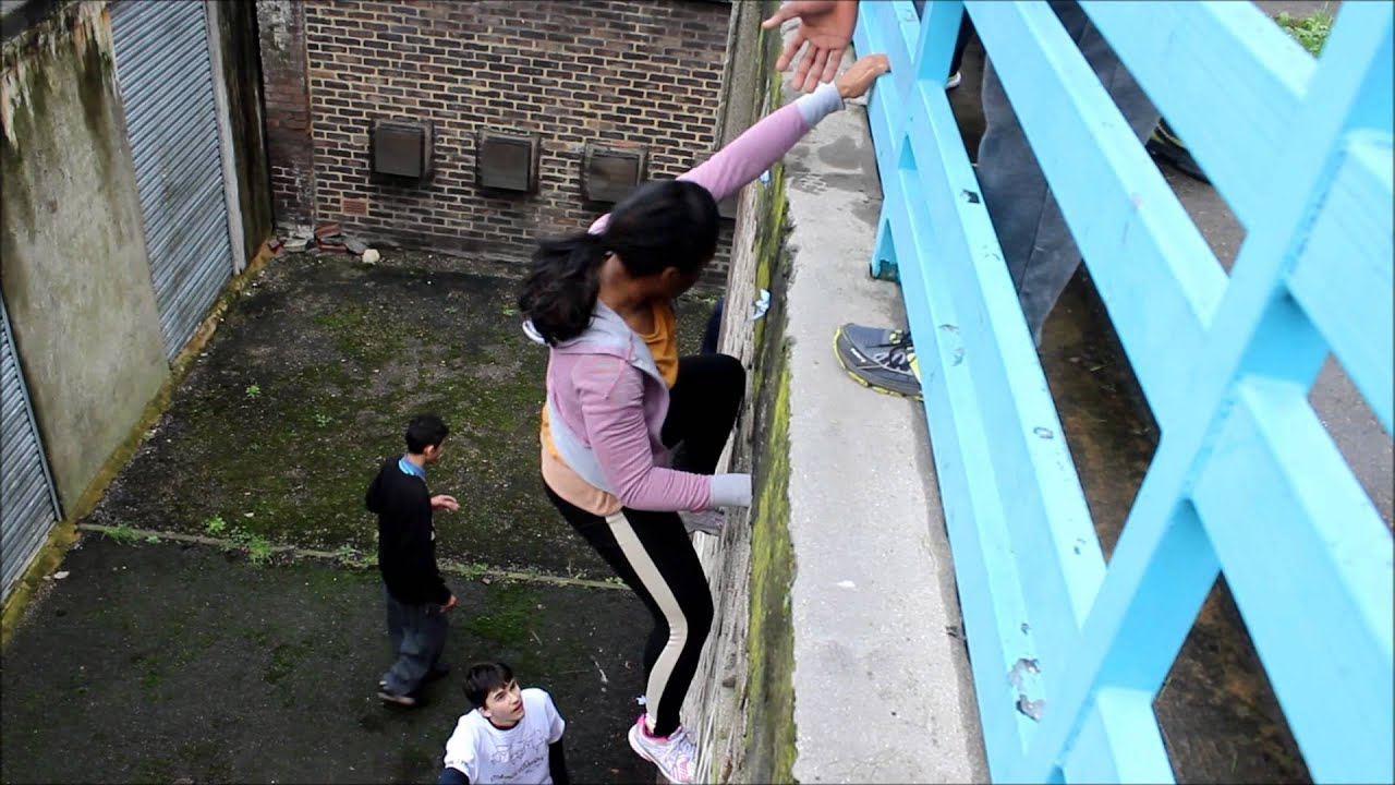 climbing and blue bars