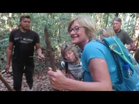 Met Indianen door de jungle van Zuid-Suriname.