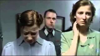 Hitler se entera que FuXion llega a Berlin