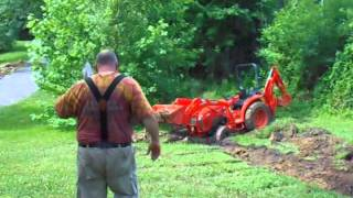 How To Get Your Kubota L3301 Tractor Out of the Mud  (Un-Stuck)