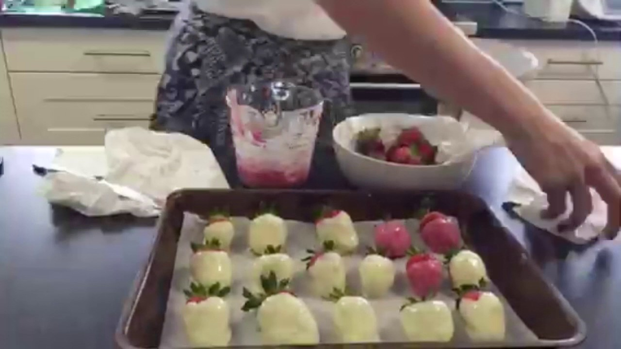 How to make and decorate chocolate covered strawberries healthy how to make and decorate chocolate covered strawberries healthy easter gift idea negle Choice Image