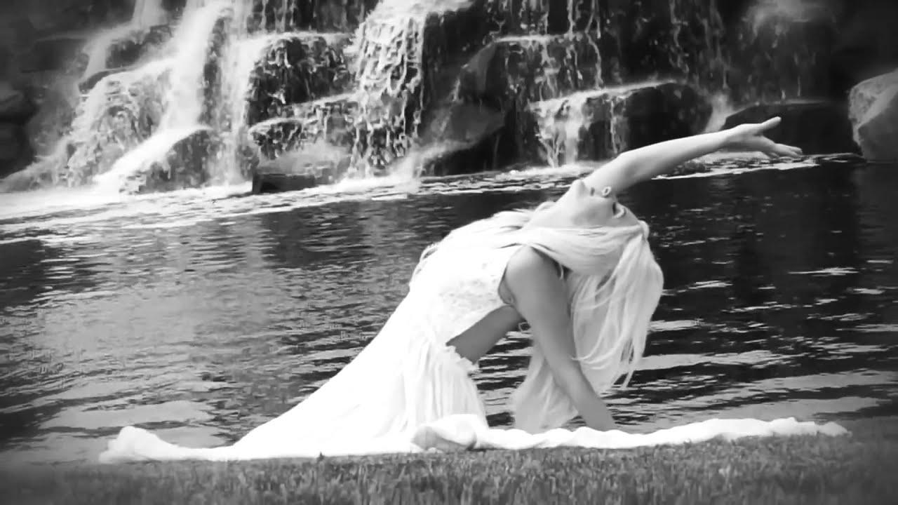 KendraBarry 'Her Way' music video