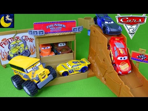 Disney Cars 3 Toys Thunder Hollow Speedway Challenge Playset Lightning McQueen Storm Diecast Toys