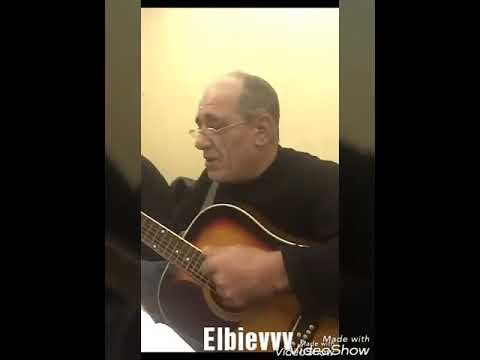 Чеченец поет на гитаре про друзей 2017.Песня про друзей на гитаре.