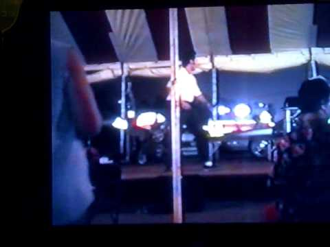 ELVIS TRIBUTO CARINIelvis week 1994 marco karaoke.mp4