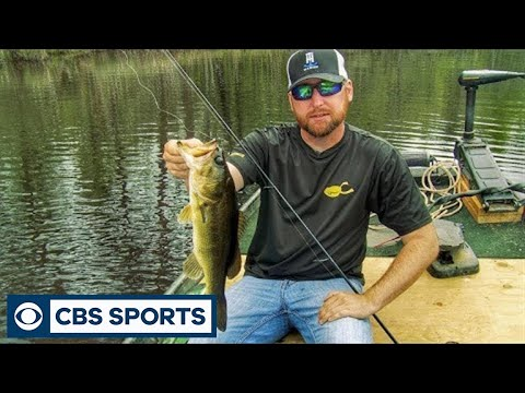 How to Fish for Bass in Ponds with a Floating Worm