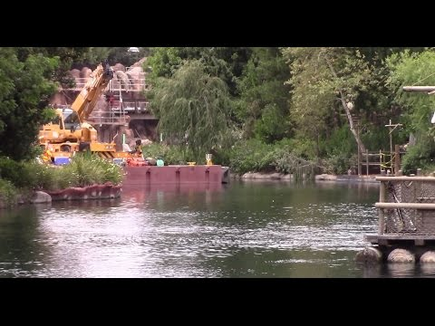 Disneyland - 5/16/17 Dams are lowered! The Rivers of America view from New Orleans Square