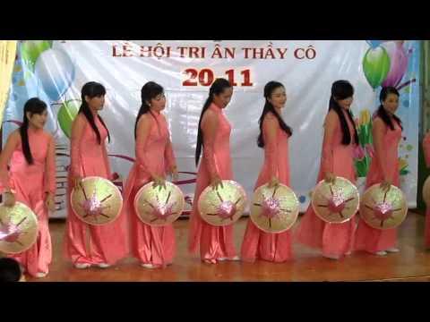 Tốp múa các cô trường mầm non Bé Yêu 20/11/2014