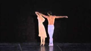 バレエ「レダと白鳥/Leda et le Cygne」 2005 年 振付:ローラン・プテ...