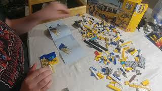 Building Lego Set 31079 Sunshine Surfer Van-Lifeguard Hut and ATV