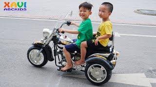 Xavi Assembling big motorbike power wheels ride on