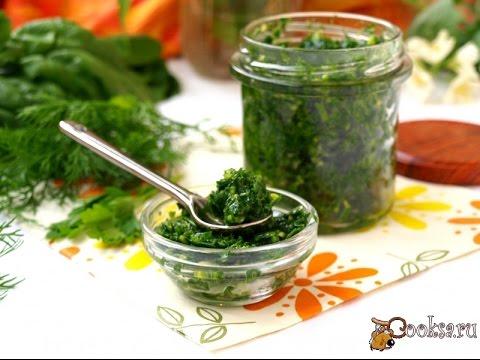 Зелёный соус из шпината