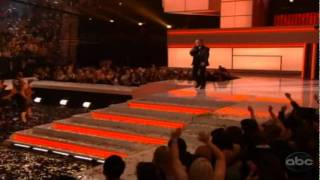 Neil Diamond get Icon Award plus he performs- Billboard Music Awards 2011 Part 18 End of SHOW!!