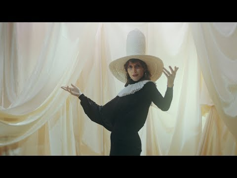Aldous Harding - The Barrel (Official Video)