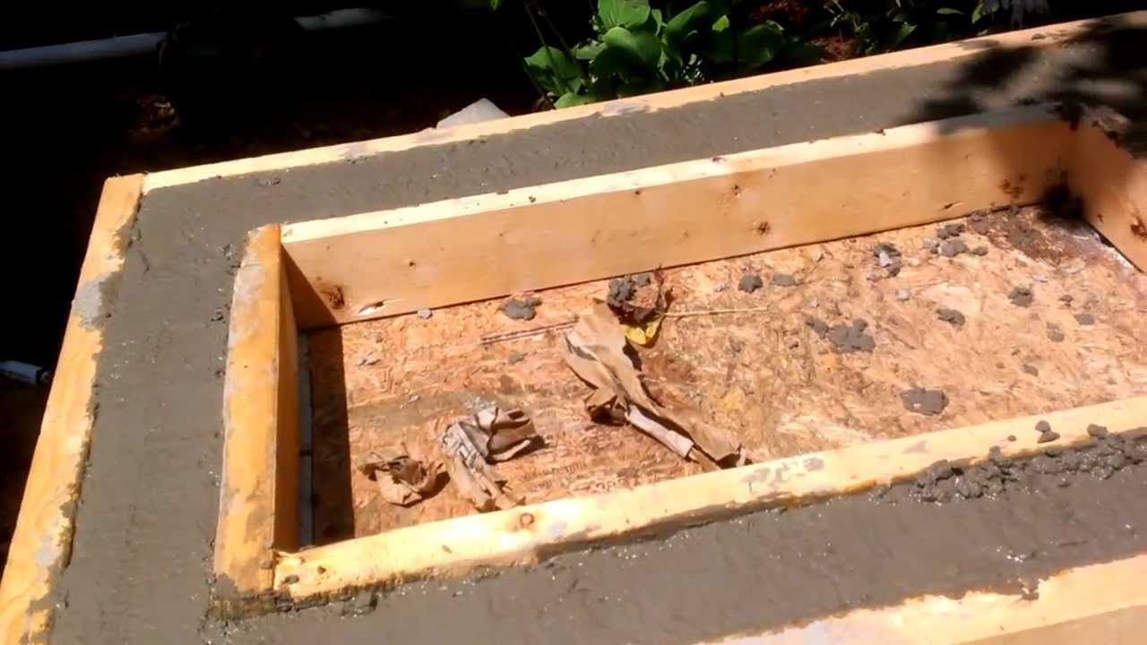 Outdoor kitchen counter construction - YouTube