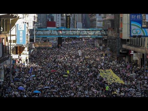 Новая мощная манифестация в Гонконге, на этот раз без эксцессов…
