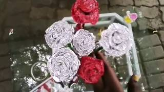 Jinsi ya kutengeneza mauwa ya rose kwa kutumia aluminium foil