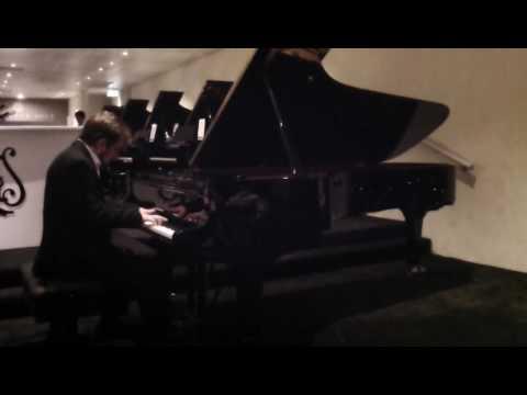 Alexey Koltakov plays Brahms, Piano Sonata in F minor op 5, 1st movement.