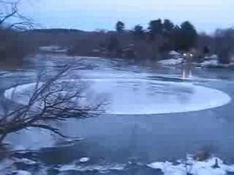 Ice circle in Lake Katrine, NY