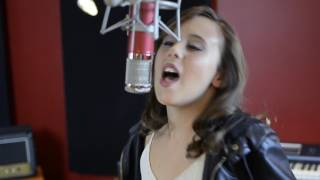 Jasmine Sabbagh covers Carrie Underwood Mexico