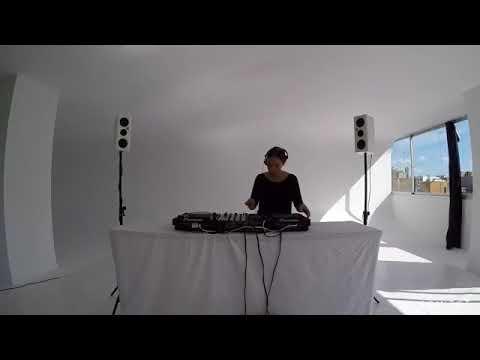 Connect Live Stream with Lis Sarroca