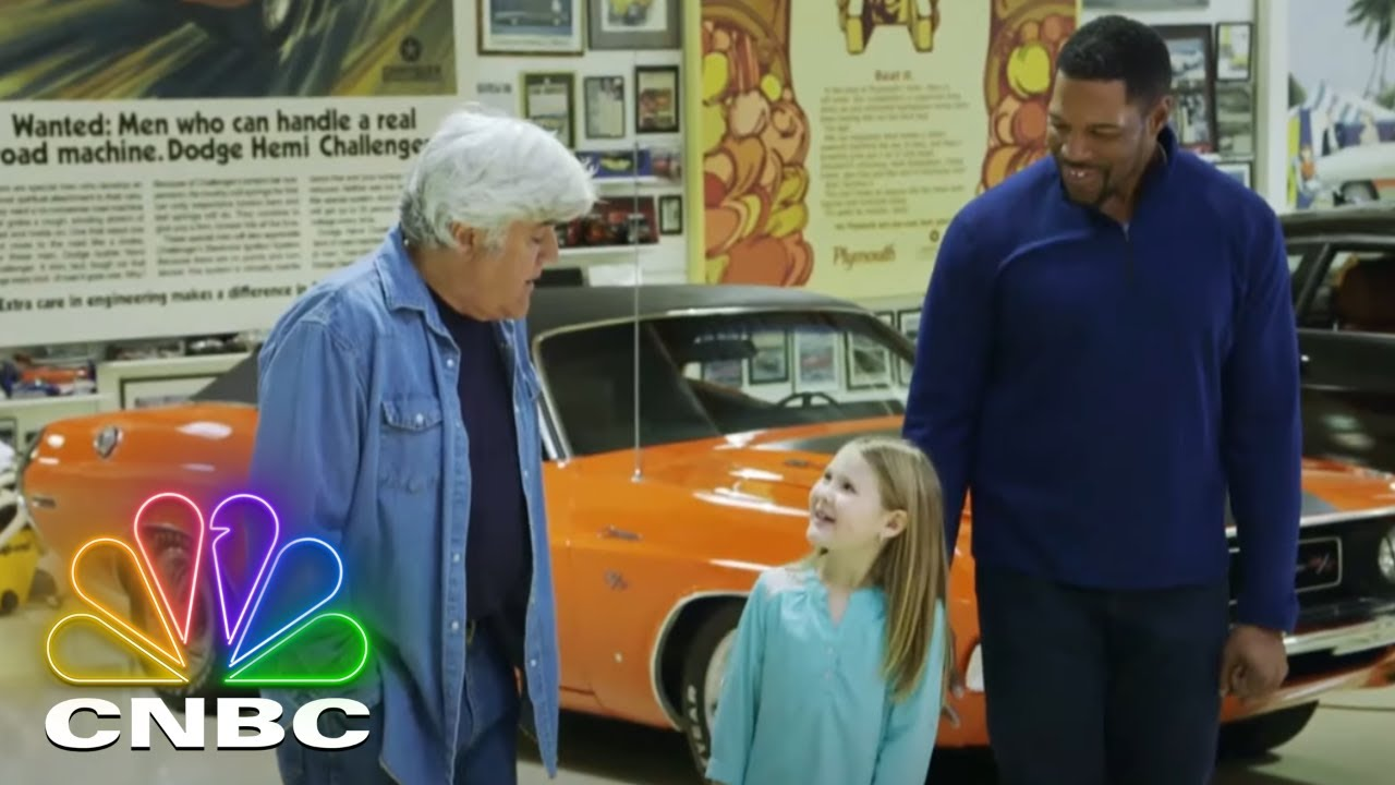 Download Michael Strahan And Jay Leno Take A 1986 Lamborghini Countach For A Spin   Jay Leno's Garage