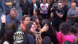Download lagu Alicia Keys Greets Her Fans Today September 3 2016 MP3