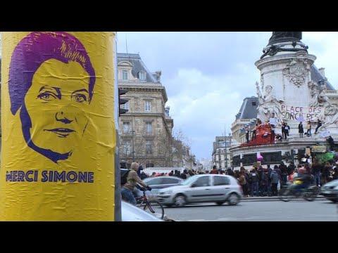Manifestations Pour Les Droits Des Femmes Dans Le Monde Youtube