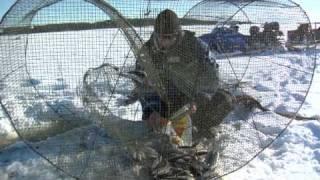 Зимняя рыбалка в Финляндии, озеро Сайма | Winter fishing in Lakeland Finland (Lake Saimaa)(Зимняя рыбалка в Финляндии – это всегда нечто особенное. Богатые рыбой водоемы привлекают сюда заядлых..., 2009-07-08T14:53:48.000Z)