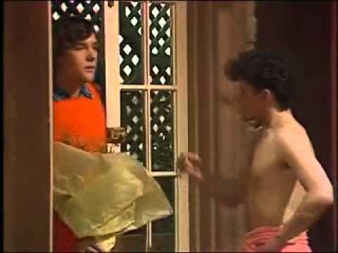 Zachary Gordon Shirtless Danny shirtless - YouT...