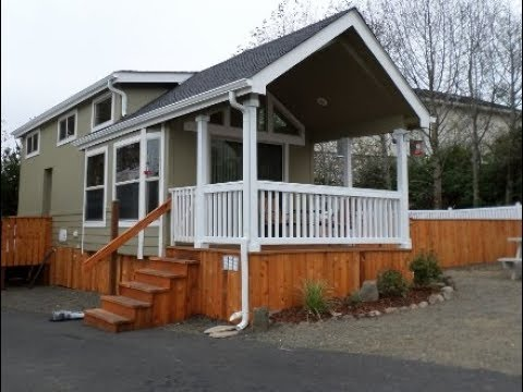 Park Model Homes Popular Skyline 1931-CTL Perfect Tiny Home for Tiny House Hunters!