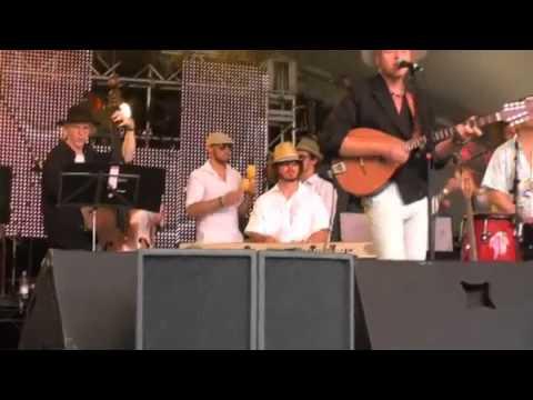 Paul Tucker with 'Obispo' @ The Rhythms Of The World Festival 2009
