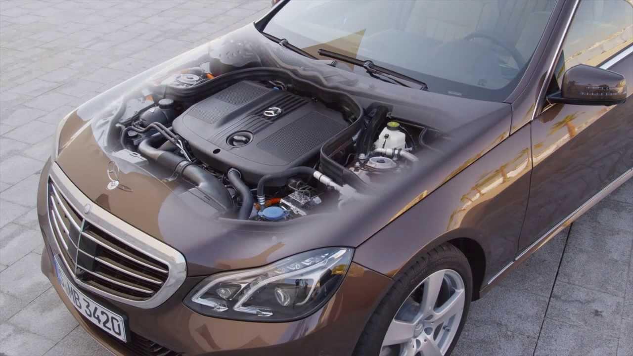 Mercedes benz e class review e300 bluetec hybrid youtube for Mercedes benz e320 battery