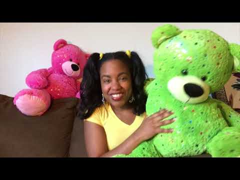 Children's Music Singerwriter Hillary Hawkins sings YOU CAN DO IT! Music Video