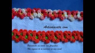 Bico em crochê com florzinhas
