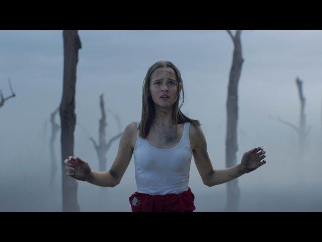 【穷电影】女孩发现地球仅剩下她一人,当她走到外面,被眼前的一切吓到了