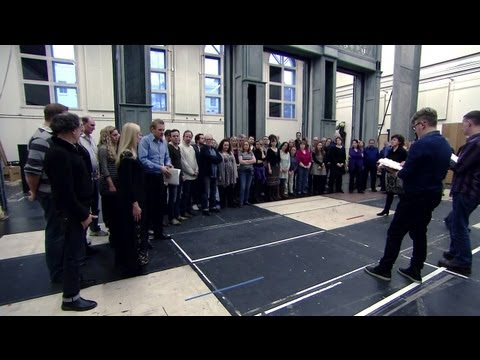 Eugene Onegin: The role of the The Royal Opera Chorus