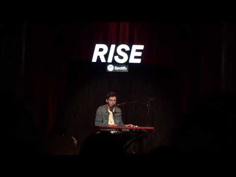 Lauv - Paris In The Rain ☔️🌧 | Spotify RISE