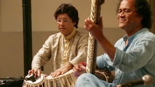 Pandit Krishna Bhatt and Pandit Anindo Chatterjee - Raga Kafi