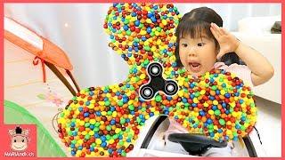 초대형 초콜릿 피젯스피너 사라졌다! 꾸러기 유니 도와줘♡ 똘똘이집 어린이 자동차 장난감 운전 놀이 핑거패밀리 인기동요 kids spinner | 말이야와아이들 MariAndKids